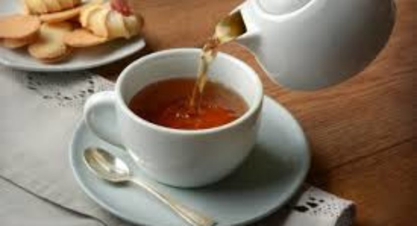 Drinking tea improves brain health study suggests