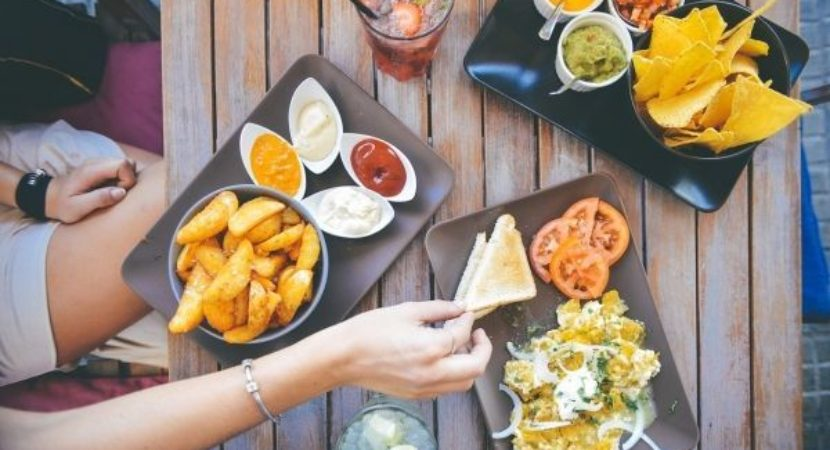 On the menu Study says dining out is a recipe for unhealthy eating for most Americans
