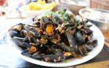 The most consumed species of mussels contain microplastics all around the world